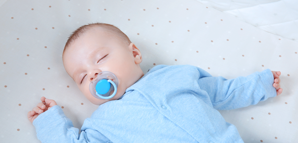 Pros and cons of using a pacifier
